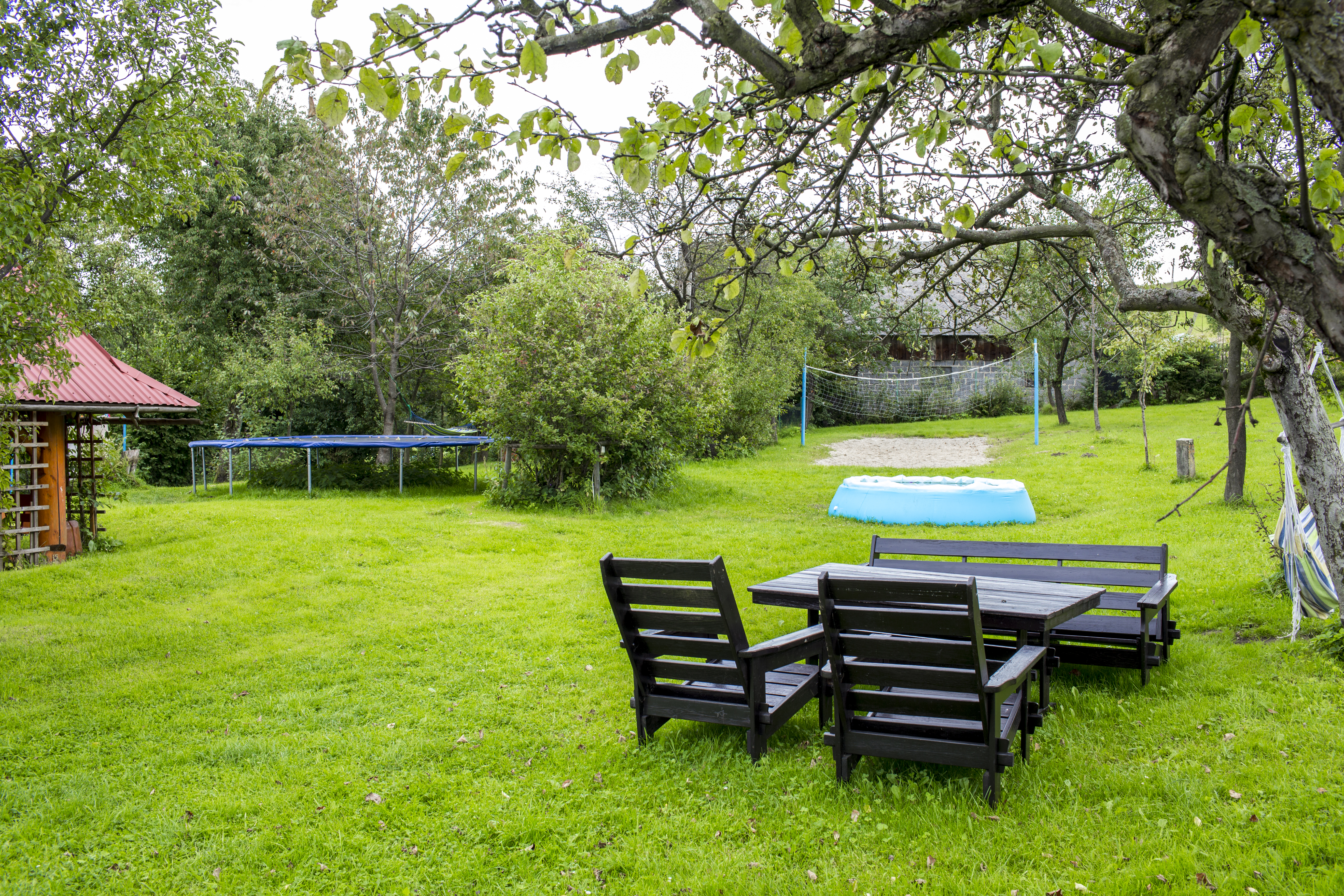 Ogród i plac zabaw dla dzieci. Wisła Bar Pod Piramidą ul. Kamienna19