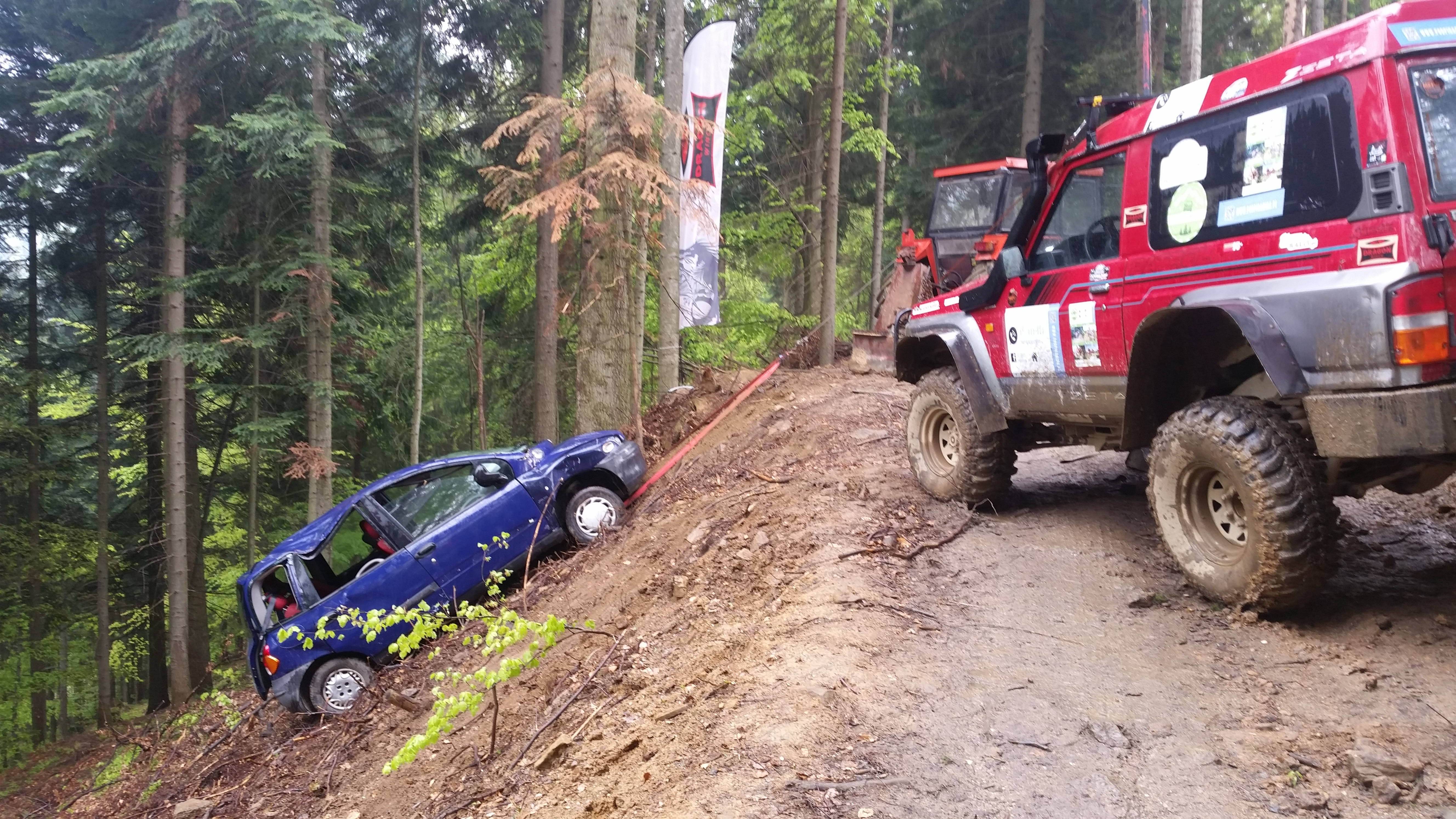 Fiat Multipla na torze off-road Pod Piramidą